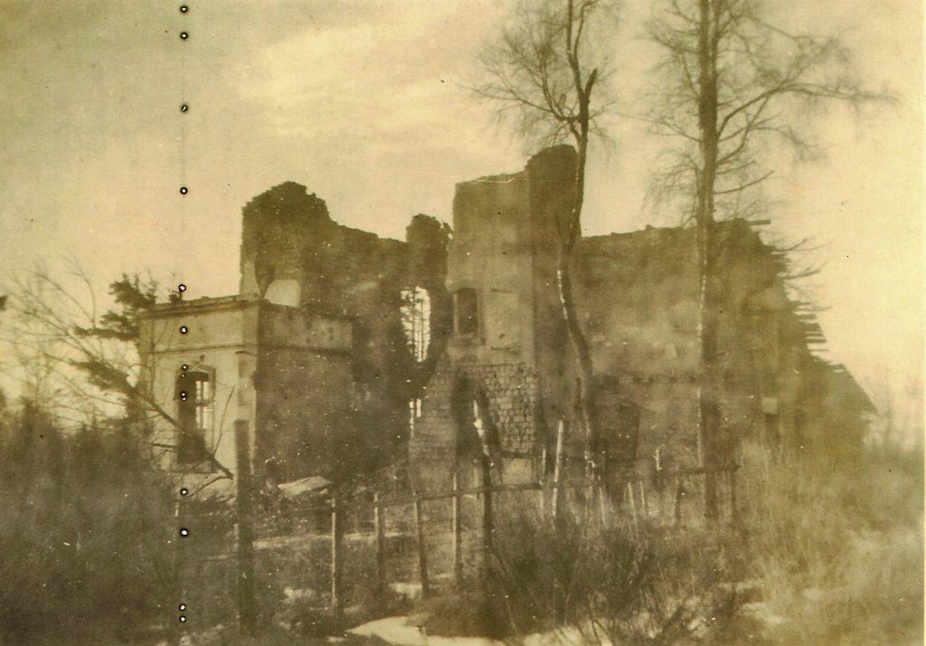 Die Ruinen des Jagdhauses 1945